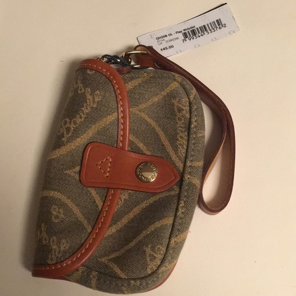 1f7d6dbc97d8 Mini Dooney bag wristlet wallet NWT